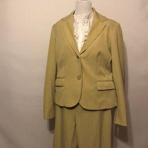 Villager cream two piece business suit size 10